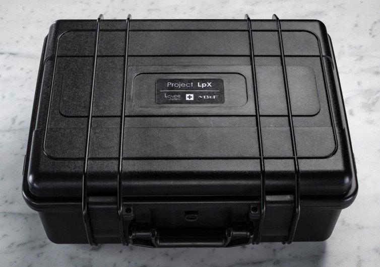 La boite de protection de la loupe pour montre