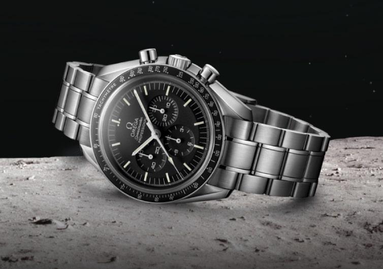 montre omega speedmaster moonwatch professionnal noire