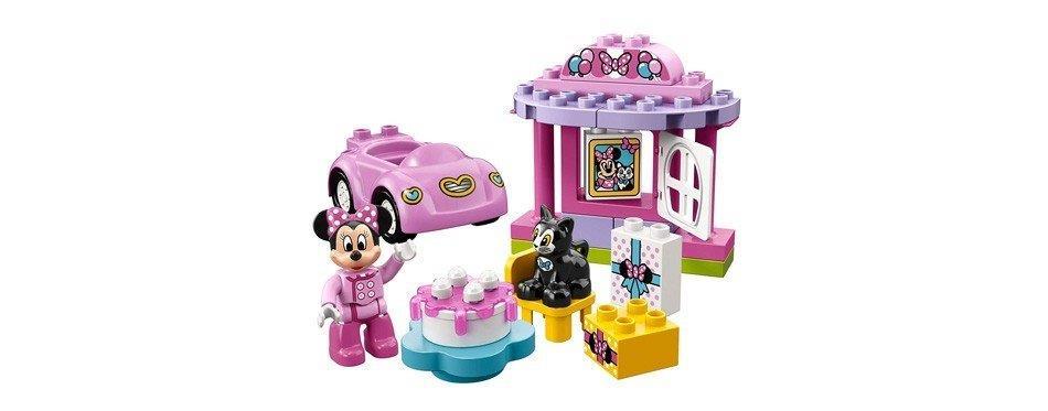 La fête d'anniversaire de Minnie