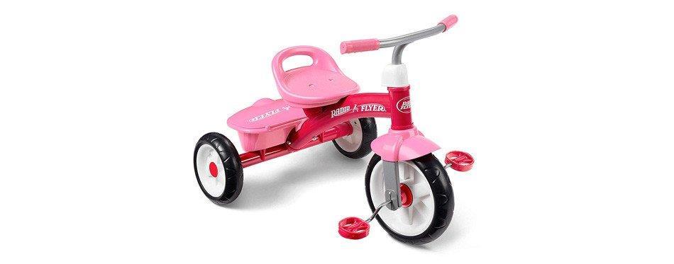 vélo à pédale pour enfant rose