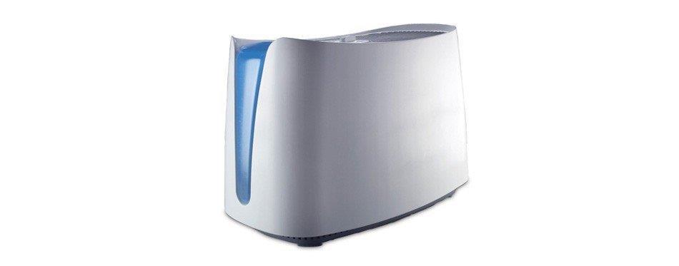 cube en plastique blanc avec de l'eau