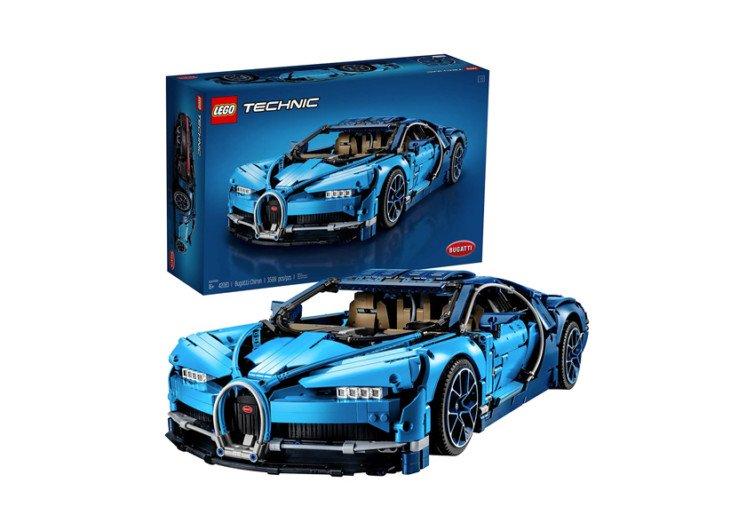 boîte de jeu de la voiture lego chiron