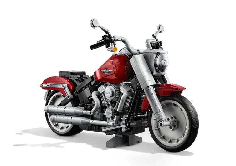 moto lego harley davidson est terminée d'être assemblée