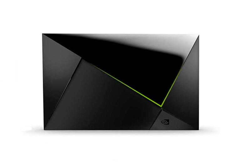 Nvidia Shield TV Pro la box de profil