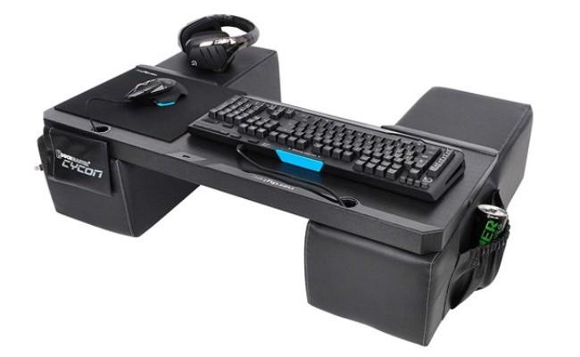 Couchmaster CYCON bureau pour Gamer