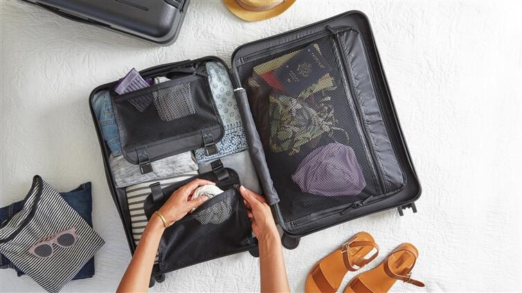 vêtements dans les bagages