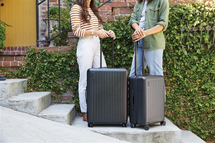 bagage à coque dure gris et noir